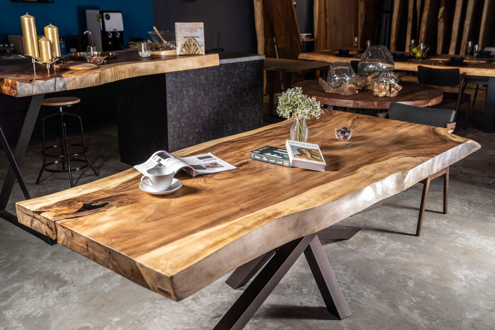 Masa din lemn masiv premium